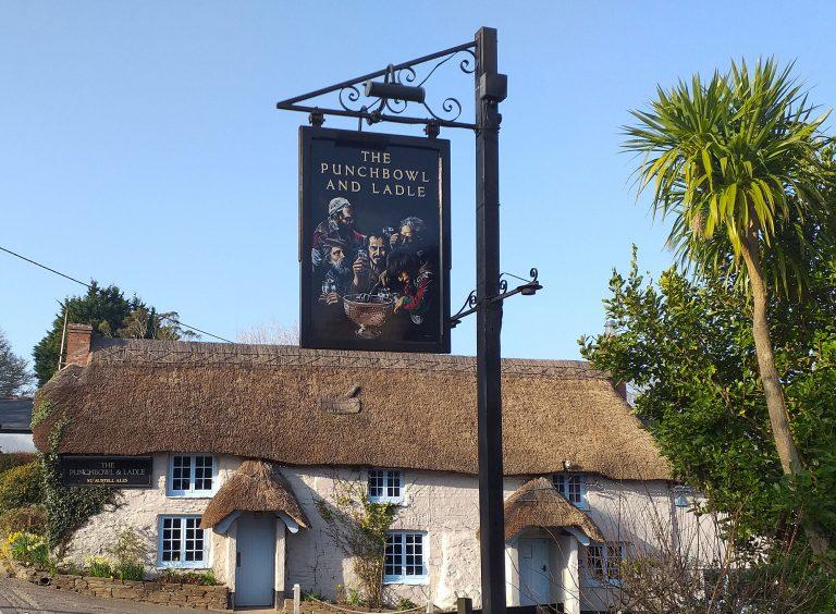 Signature Signs - pub sign in situ 3